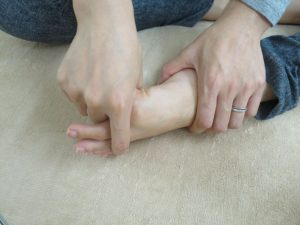 親指ぐるぐる1