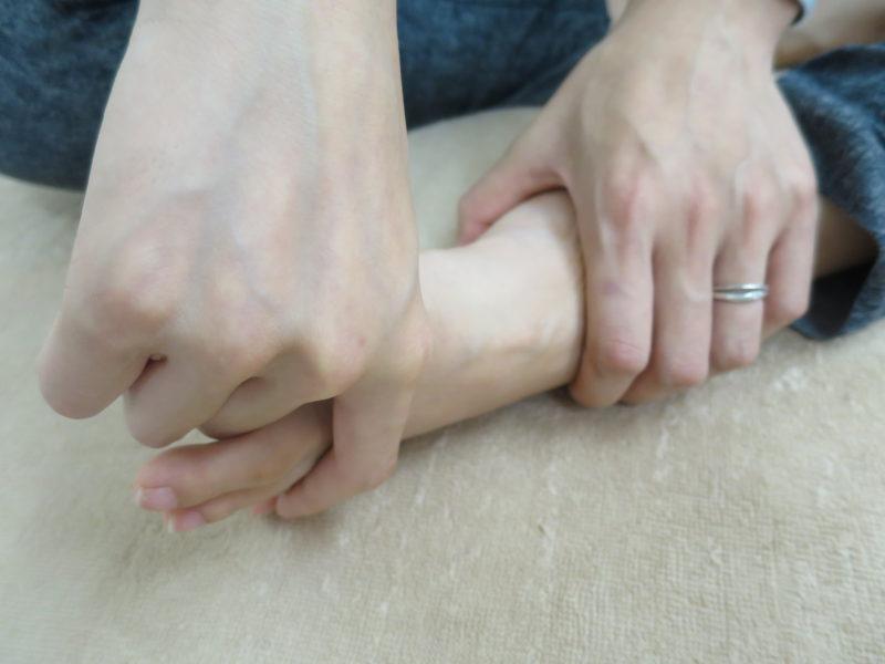 親指ぐるぐる
