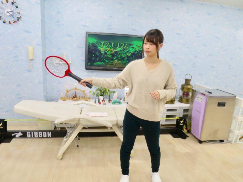テニスで肘