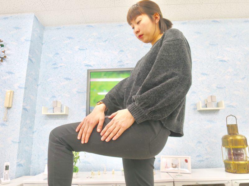 脚の動的ストレッチ