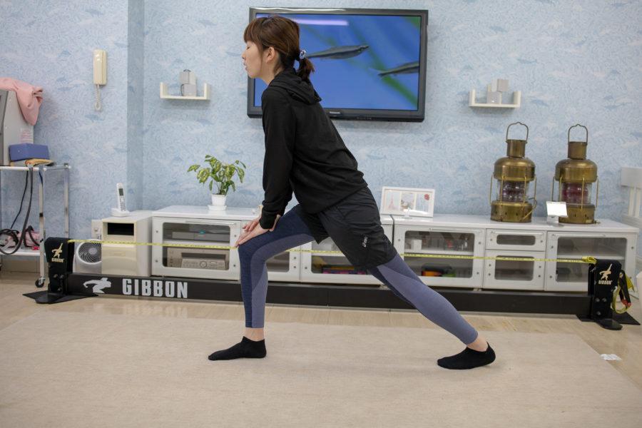 下腿三頭筋反対の脚