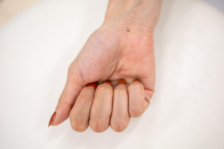中指と薬指